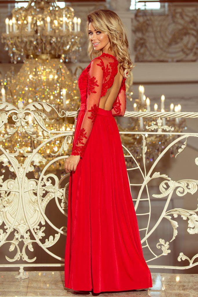 długa czerwona suknia z haftowanym dekoltem