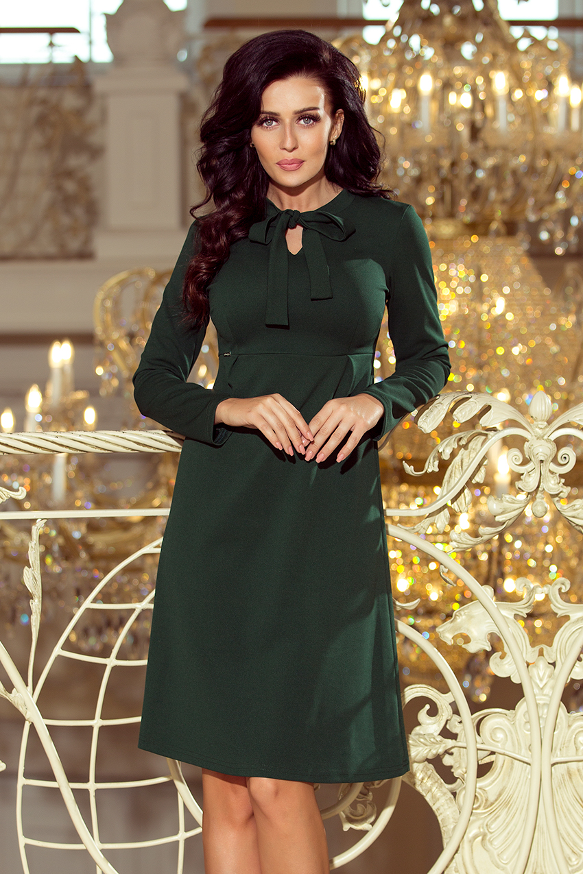 6d27ecf463 158-3 OLA sukienka trapezowa z wiązaniem pod szyją - ZIELEŃ BUTELKOWA