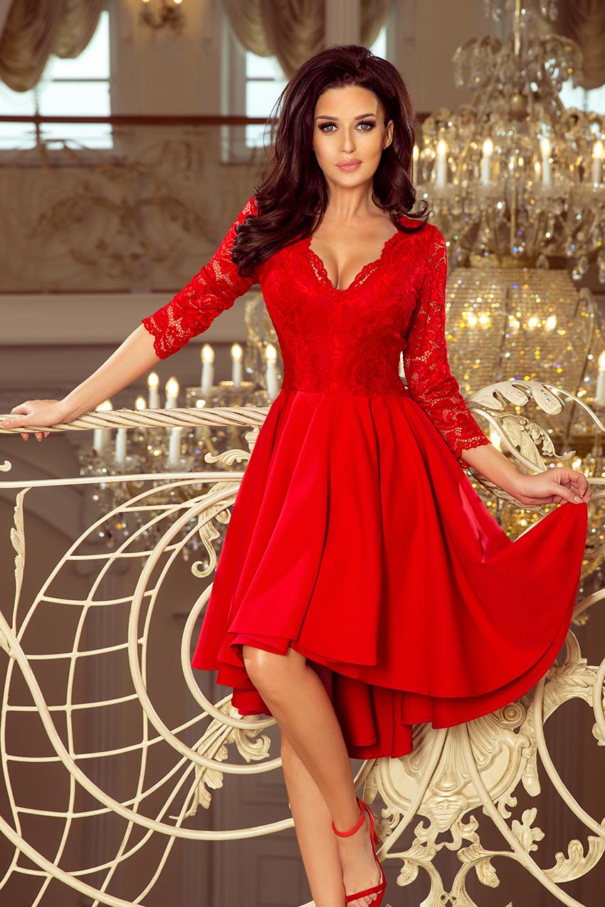 0664f21a31 210-6 NICOLLE - sukienka z dłuższym tyłem z koronkowym dekoltem - CZERWONA