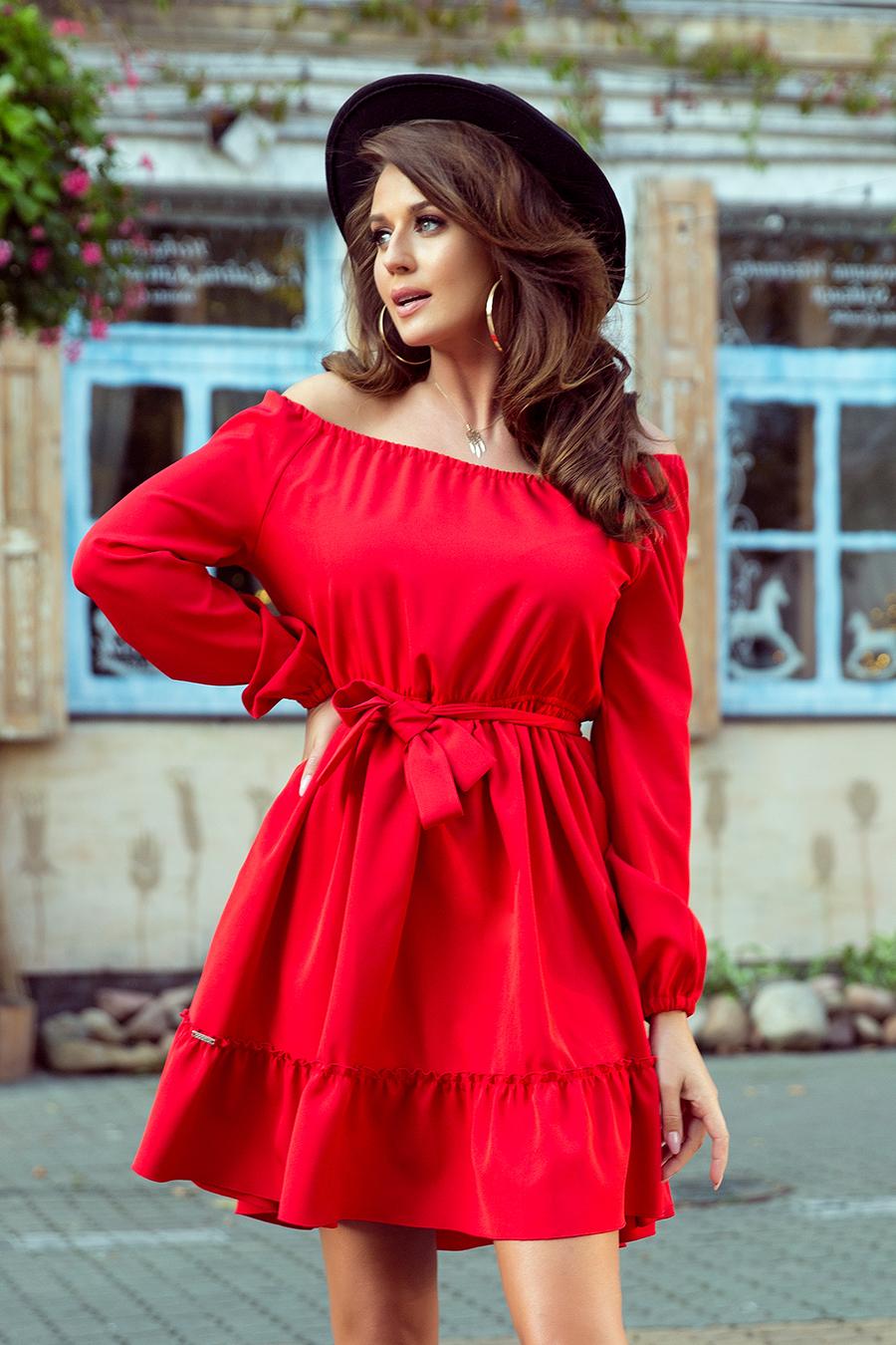 Czerwona sukienka z falbankami   PolskieSzafiarki.pl i